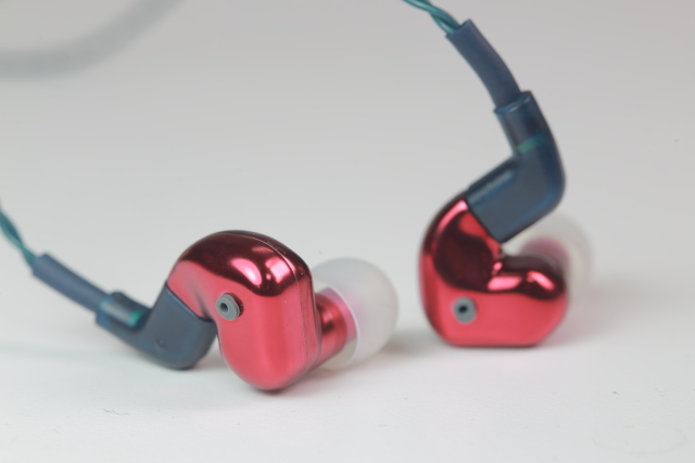 看我三十六變-FLC 8s耳道式耳機