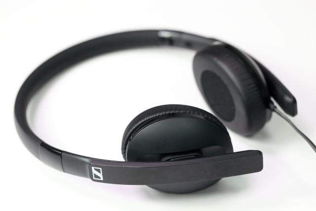 聽音樂就該如此無負擔-Sennheiser HD 2.20s 耳罩耳機