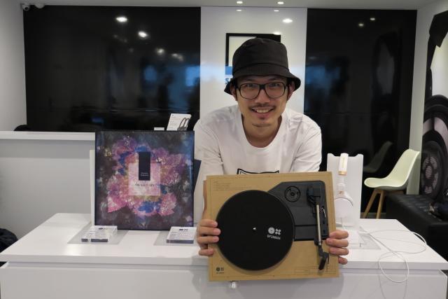 以耳機聆聽黑膠-Sennheiser與Spinbox跨界體驗會