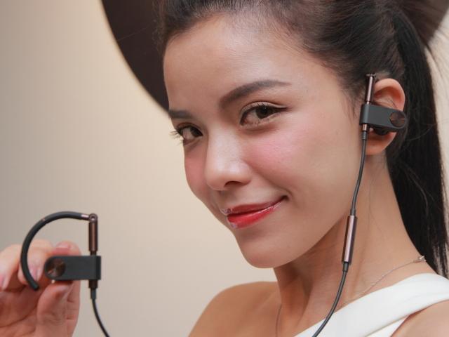 首度融入無線連線-B&O全新Earset正式發表