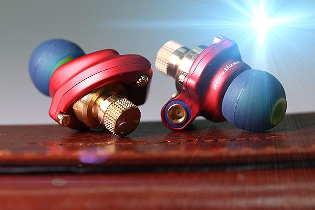 鋼鐵人、搖滾魂-Acoustune HS1551 CU耳道耳機