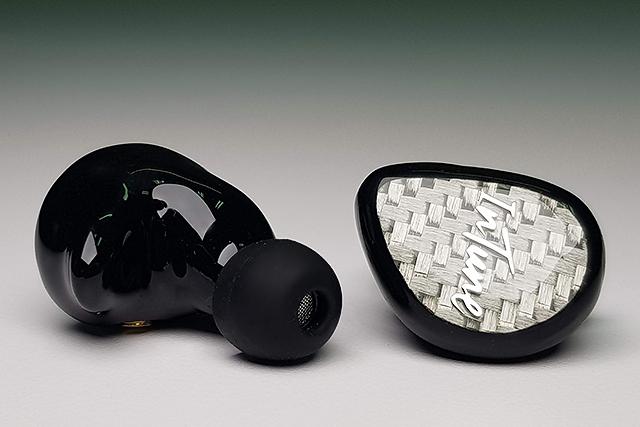 聲、形皆讓人驚豔-iBasso IT04耳道式耳機